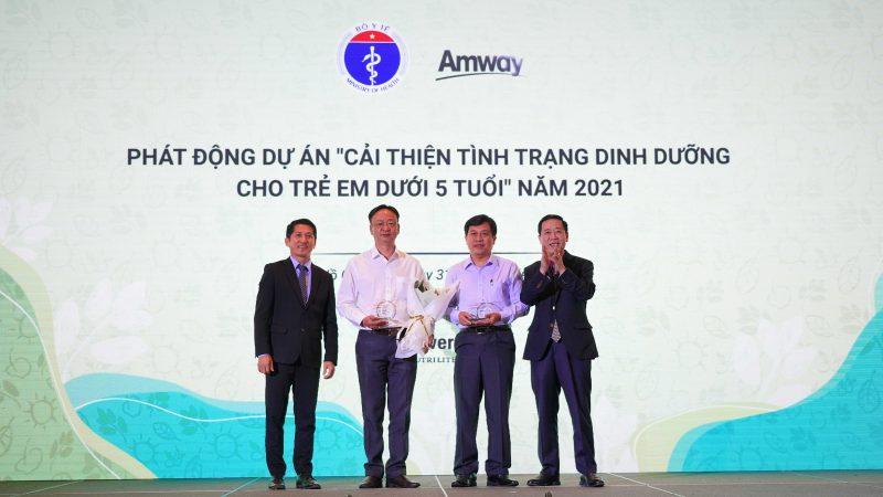 Amway Việt Nam tiếp tục đón nhận Bằng khen của Bộ Y tế