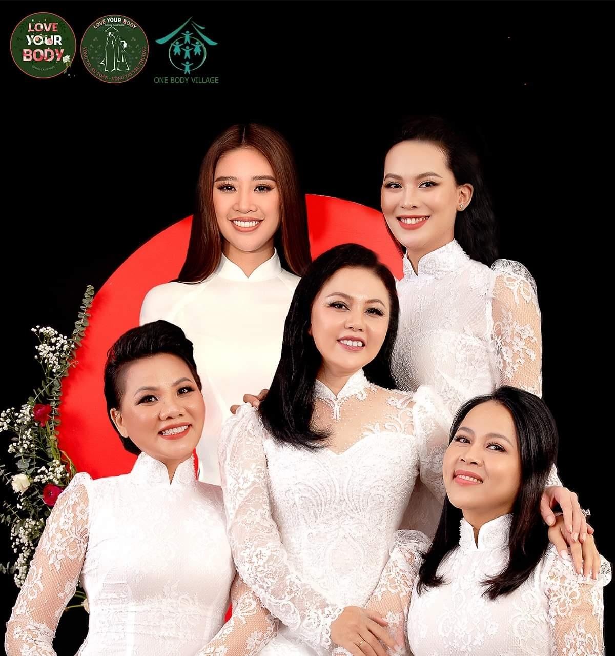 """Hoa hậu Hoàn Vũ Việt Nam Khánh Vân: Chặng đường """"làm chị cả"""" của tôi cần sự đồng lòng của những người mẹ can trường"""