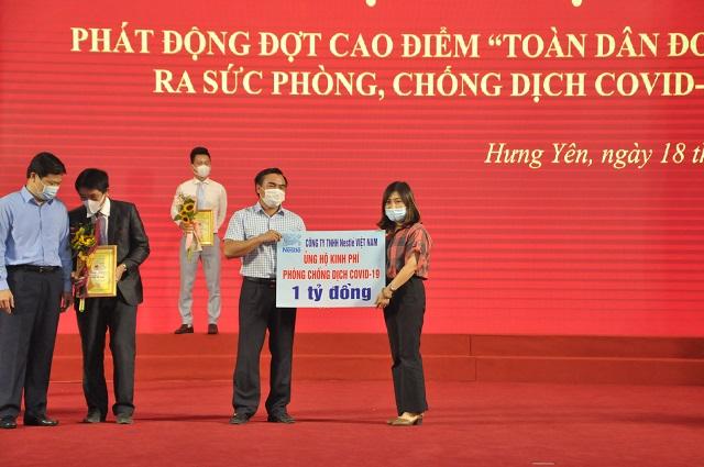 Nestlé Việt Nam và công ty La Vie ủng hộ 4 tỷ đồng vào Quỹ Vắc-xin phòng chống Covid-19